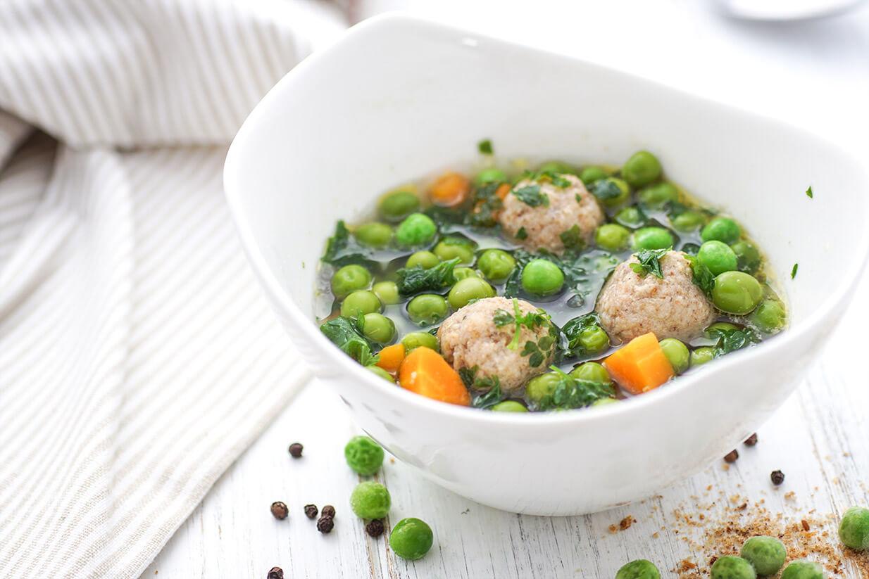 vegetarische Erbsensuppe mit Dinkel-Klößchen