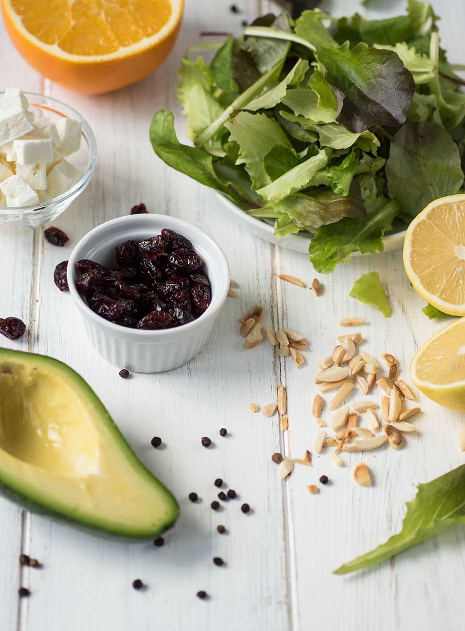 Zutaten für Salat mit Orangen-Senf-Dressing