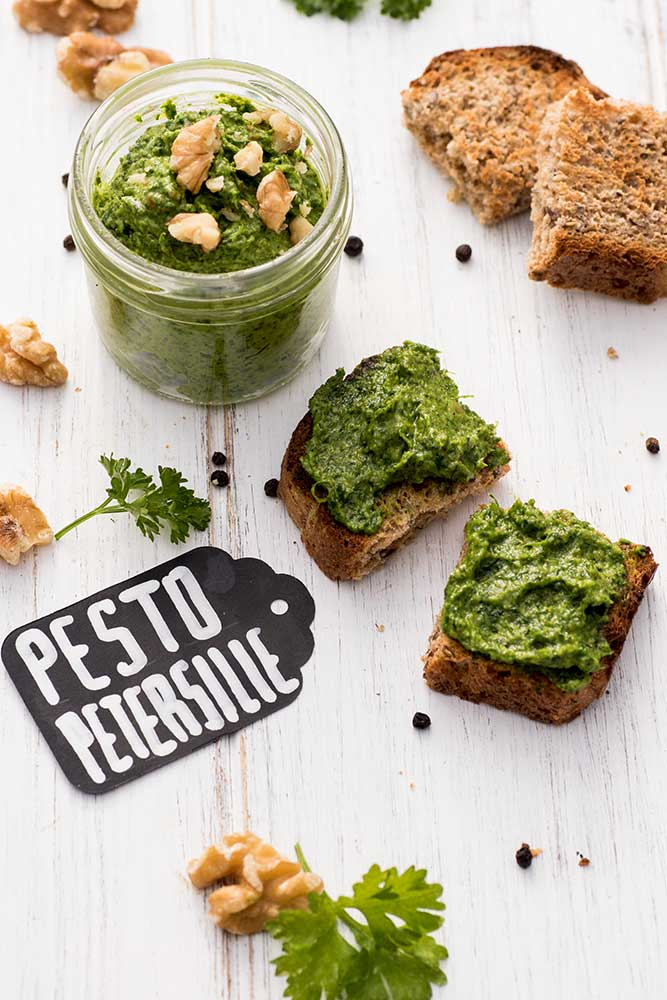 Petersilien-Pesto mit Walnüssen