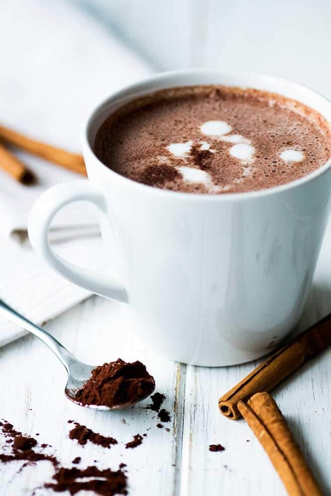 Heiße Schokolade / Kakao in einer Tasse