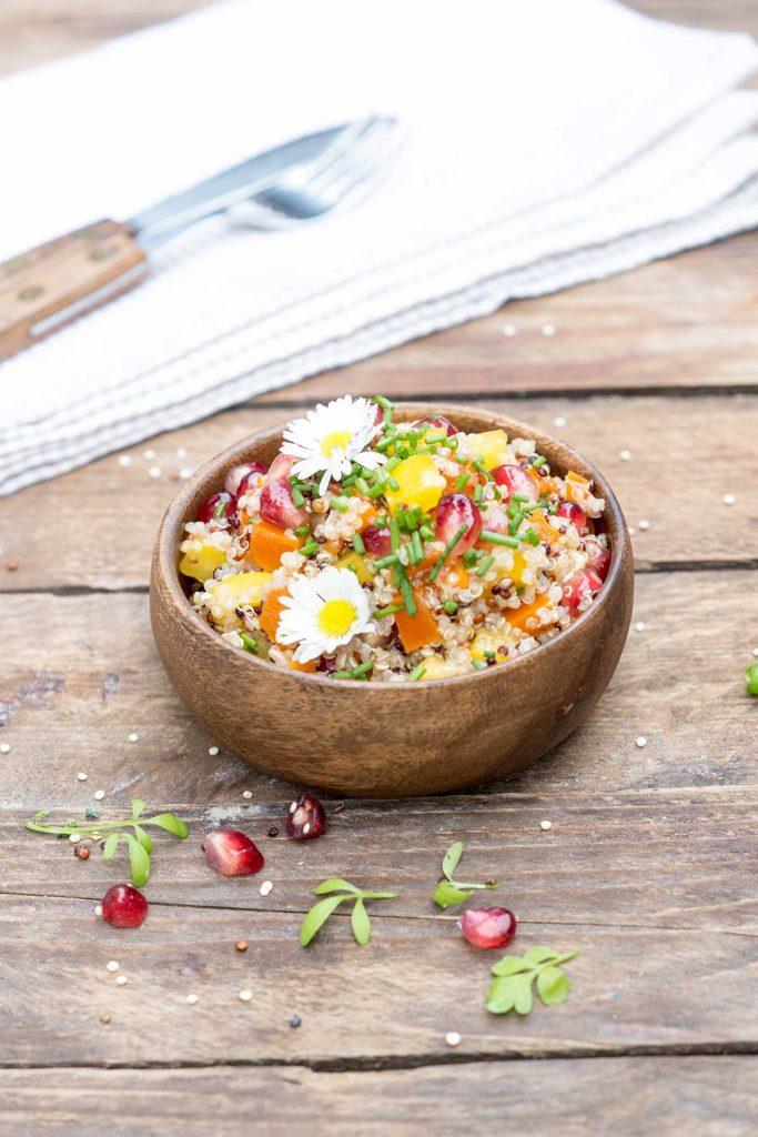 quinoa salat mit granatapfel veganes und glutenfreies rezept. Black Bedroom Furniture Sets. Home Design Ideas