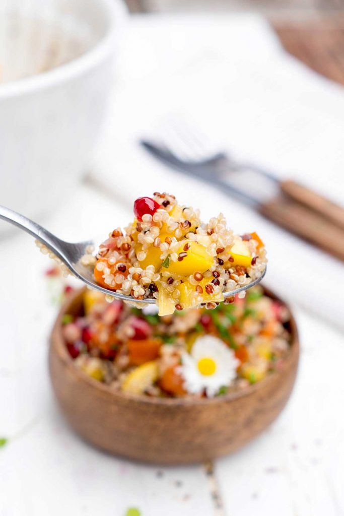Quinoa Salat auf Löffel
