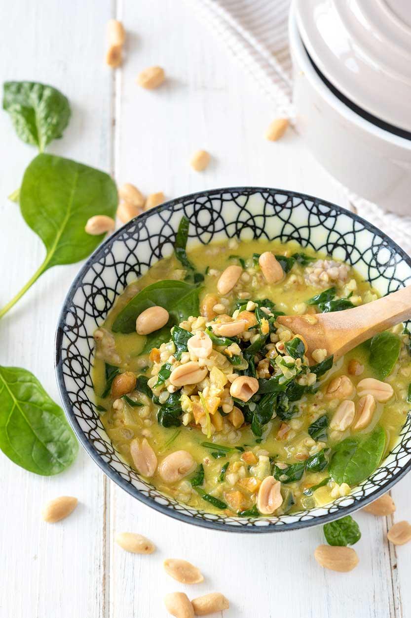 Glutenfreies Rezept für eine Spinat-Buchweizen-Pfanne