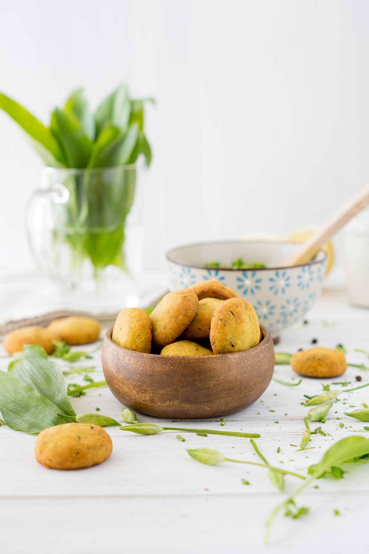 Bärlauch Snack in Holzschüssel
