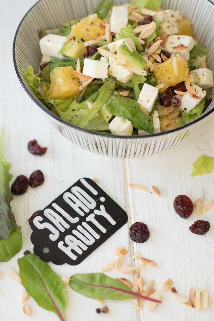 Salat mit Orangen-Senf-Dressing