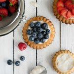 Torteletts mit Heidelbeeren und Erdbeeren