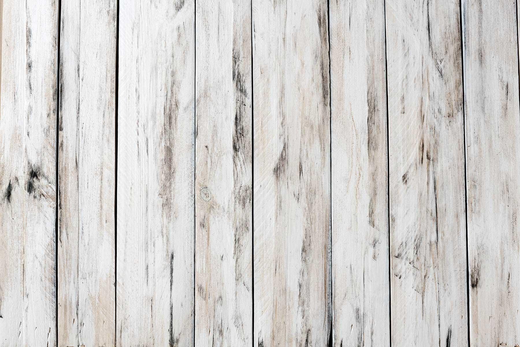 Holzuntergrund mit dunklen Highlight