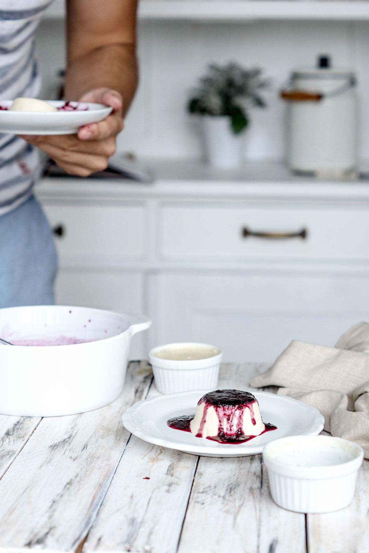 Panna Cotta Dessert in der Küche