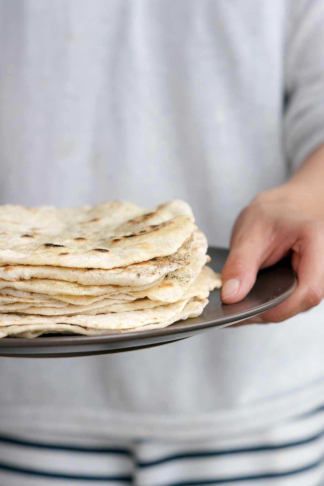 tortillas aus dinkelmehl rezept zum selbermachen auf foodlikers. Black Bedroom Furniture Sets. Home Design Ideas