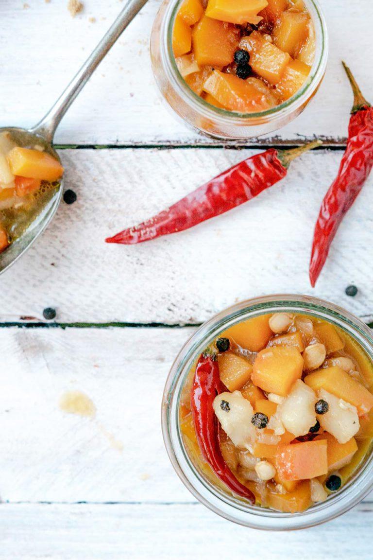 Chutney mit Kürbis, Birne und Chili