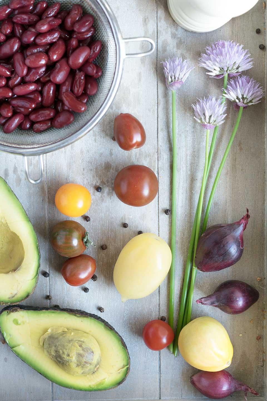 Gemüse auf Holztablett