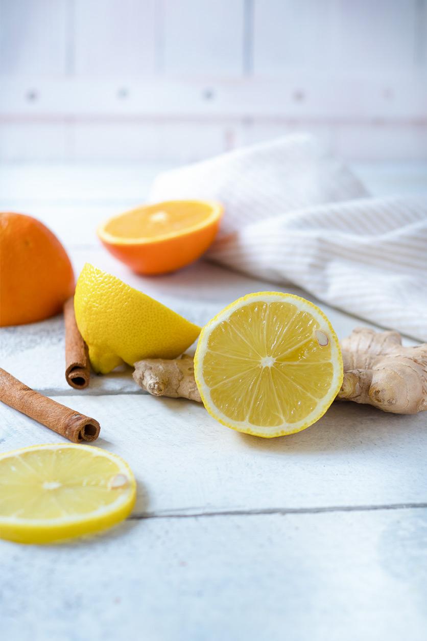 Halbe Zitronen, Orangen und Zimt