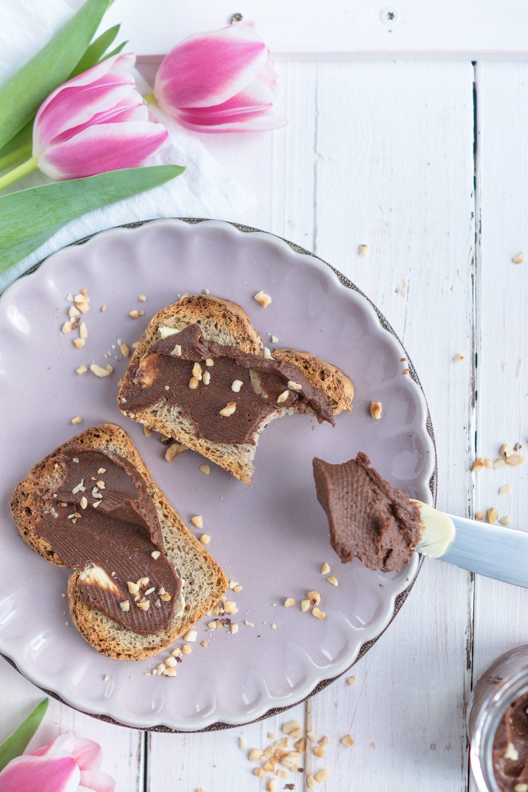 Schokoladenaufstrich am Messer