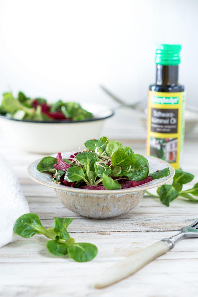 Feldsalat in einer Schüssel
